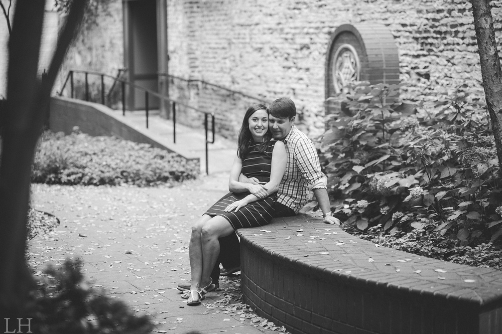 DowntownKnoxvilleEngagementSession124.jpg