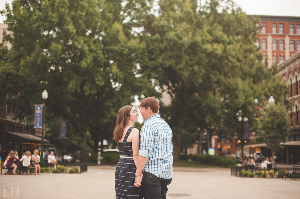 DowntownKnoxvilleEngagementSession127.jpg