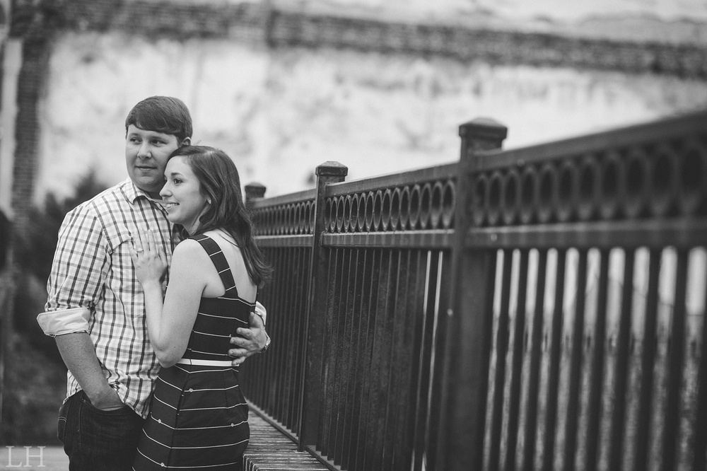 DowntownKnoxvilleEngagementSession133.jpg