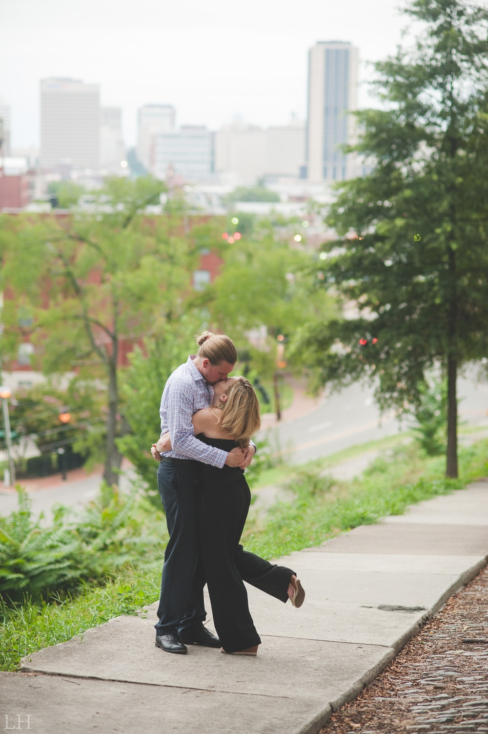 DowntownRichmondWaterwayEngagementSession125.jpg