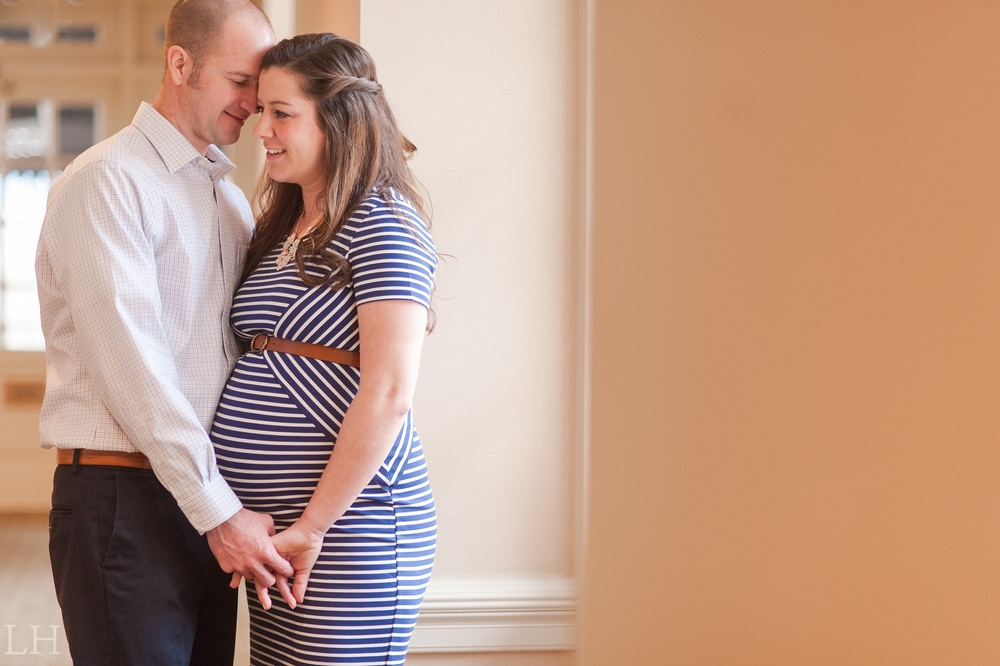 Downtown Roanoke Maternity Session