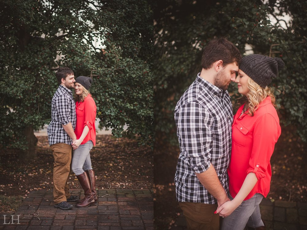 LeahNoahEngaged_144_Blog.jpg