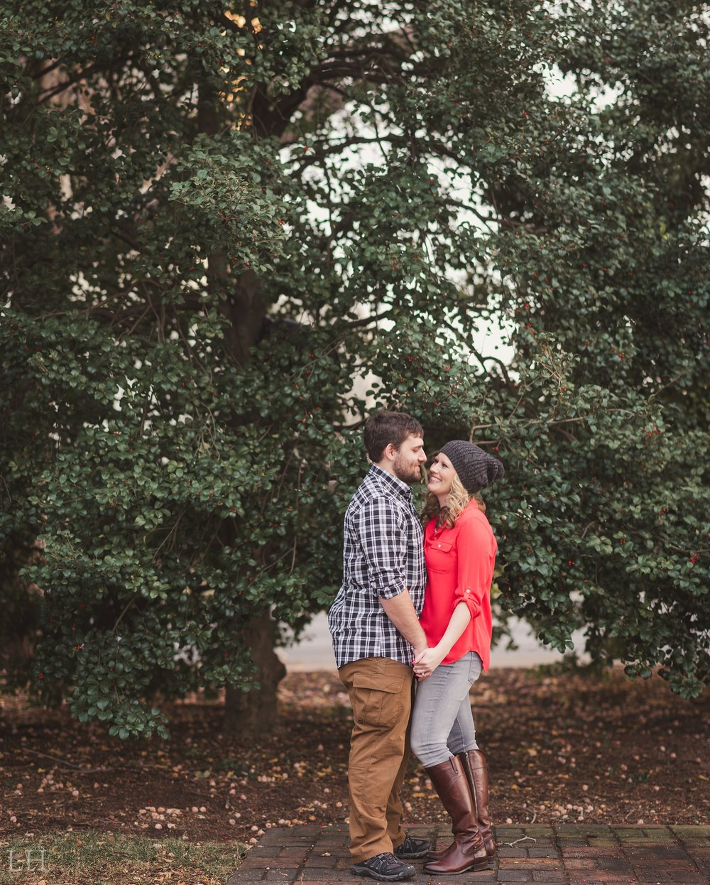 LeahNoahEngaged_145_Blog.jpg