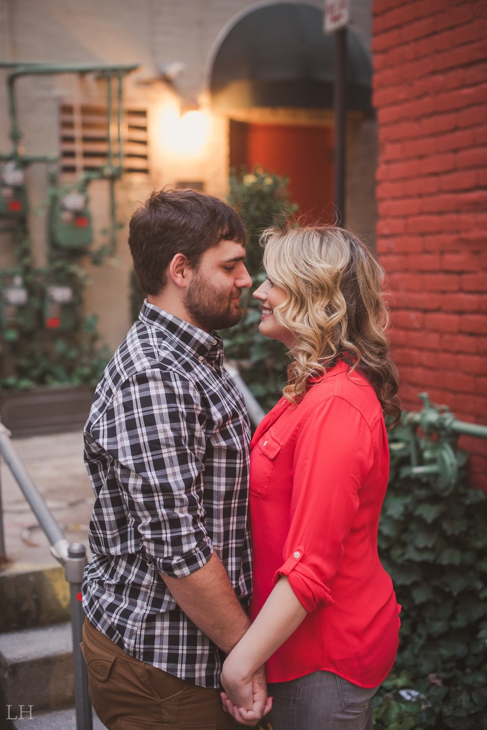 LeahNoahEngaged_148_Blog.jpg