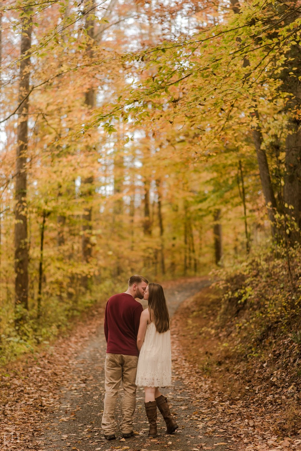 ElizabethDrewEngaged-194_Blog.jpg