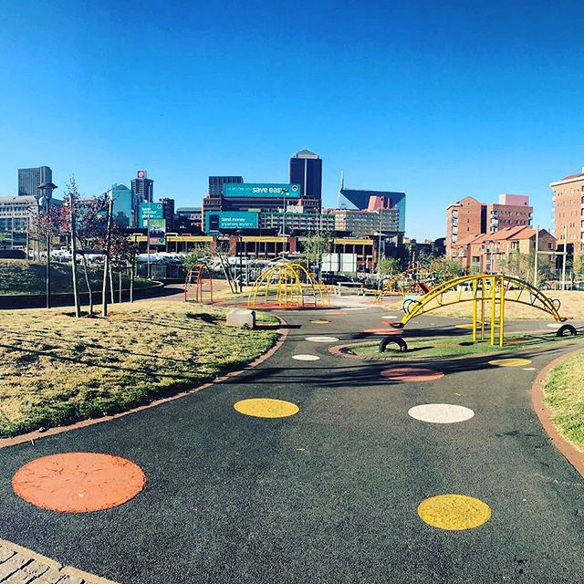 🍃🍃🍃@isabelo_wifi kicks off exciting initiative with Johannesburg City Parks. Starting November 2016! 🍃🍃🍃 #innercity #parks #freewifi #publicspace #yourstoshare #solar #designedforpeople