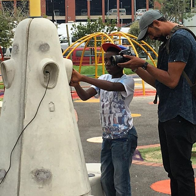 @beautifulnewssa gets up close and personal with @isabelo_wifi #southafrica #johannesburg #smartbench #publicaccess #loveyourparks #yourstoshare