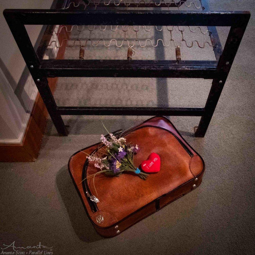 15Minutes-MNH-suitcase-3280536.jpg