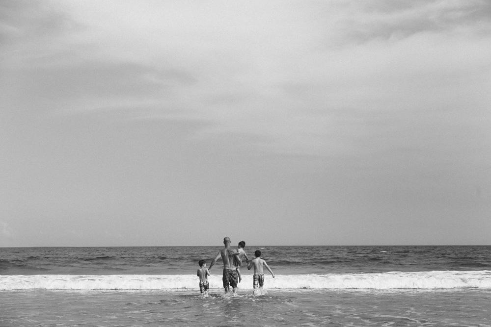 AllisonZauchaPhotography_family_beach_portraits-4860.jpg