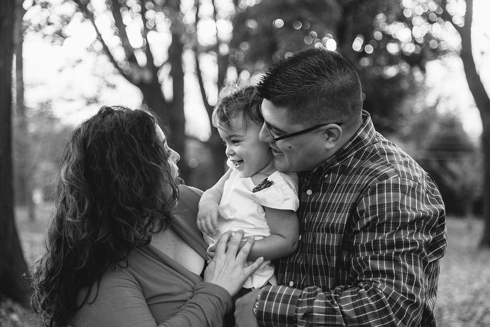 AllisonZauchaPhotography_cymerman_family_photographer-21 (1).jpg