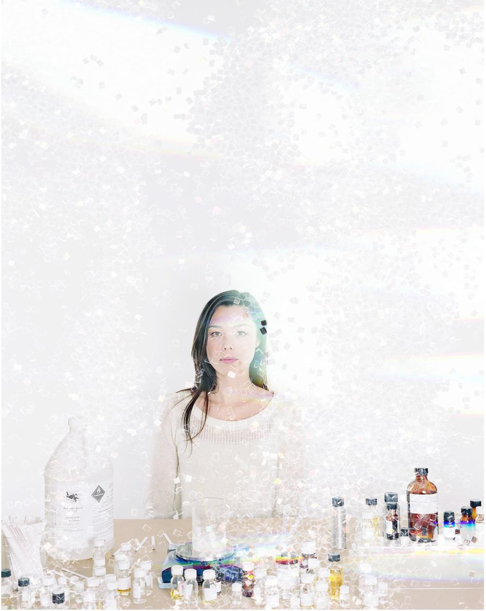 wallpaper_perfume_glitter_layover_lo_op.jpg