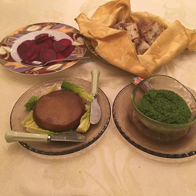 Friend's #veganbirthdaydinner walnut lentil pate, #beets #bread #vegan #pesto