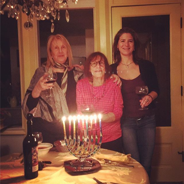 A quiet / festive #NewYearsEve & last night of #Hanukkah in #Rhinebeck with old and new friends @yoginicuisine and Lorraine.