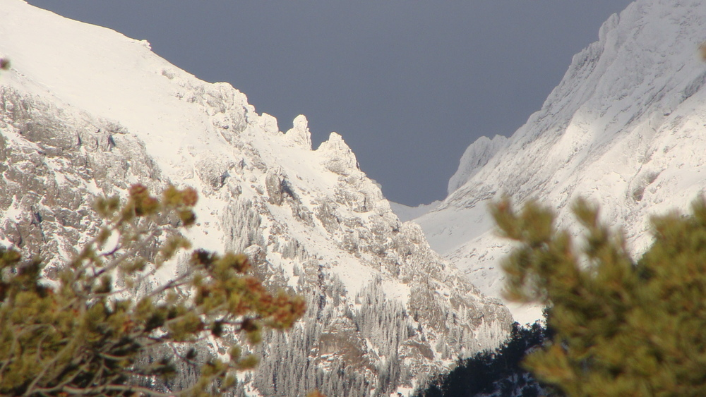 snowy crestone peaks