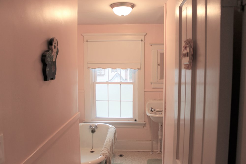 bathroom 2 - Copy.jpg