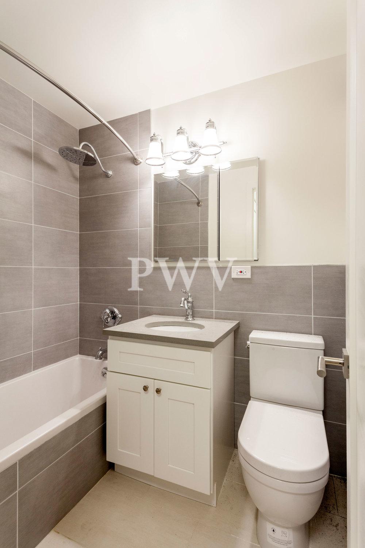 788-7s-Bath.jpg