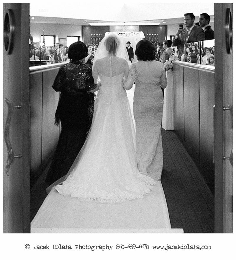 Jewish-Orthodox-Hasidic-Wedding-Manhattan-Beach-NYC-Documentary-Photographer-Jacek-Dolata (49 of 54).jpg