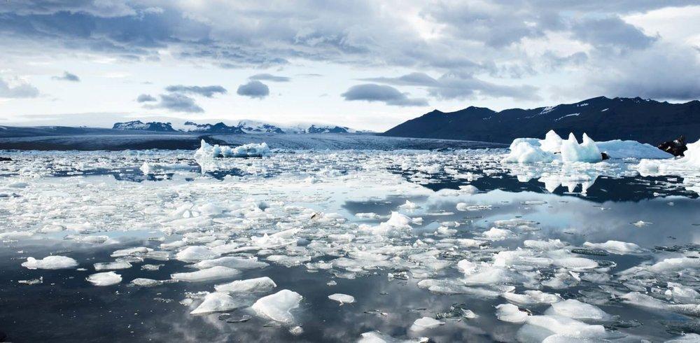 climate-cold-glacier-iceberg_0.jpg