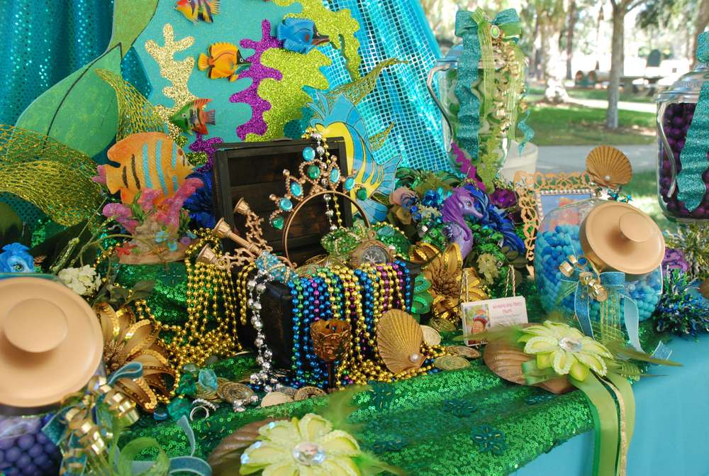 Birthday party ideas mermaid party our humble hive for Ariel decoration party