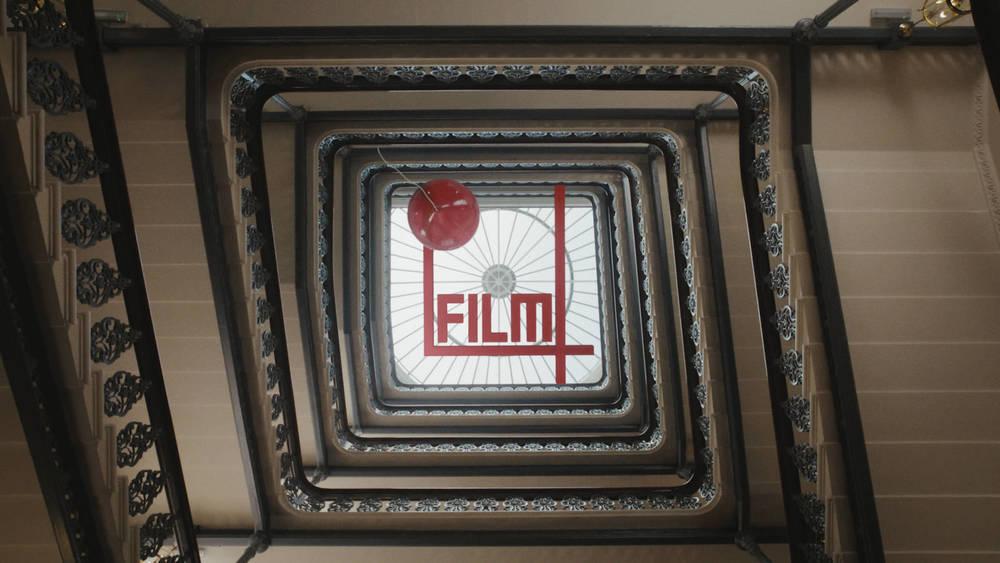 stairwell_redballoon02_800_2x.jpg