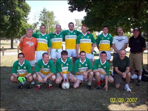 Toronto Gaels Gaelic Football Team 2007.jpg
