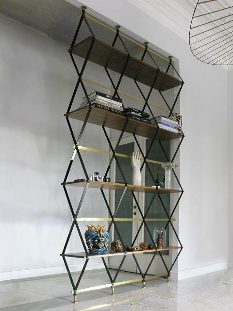 rhomboid shelf