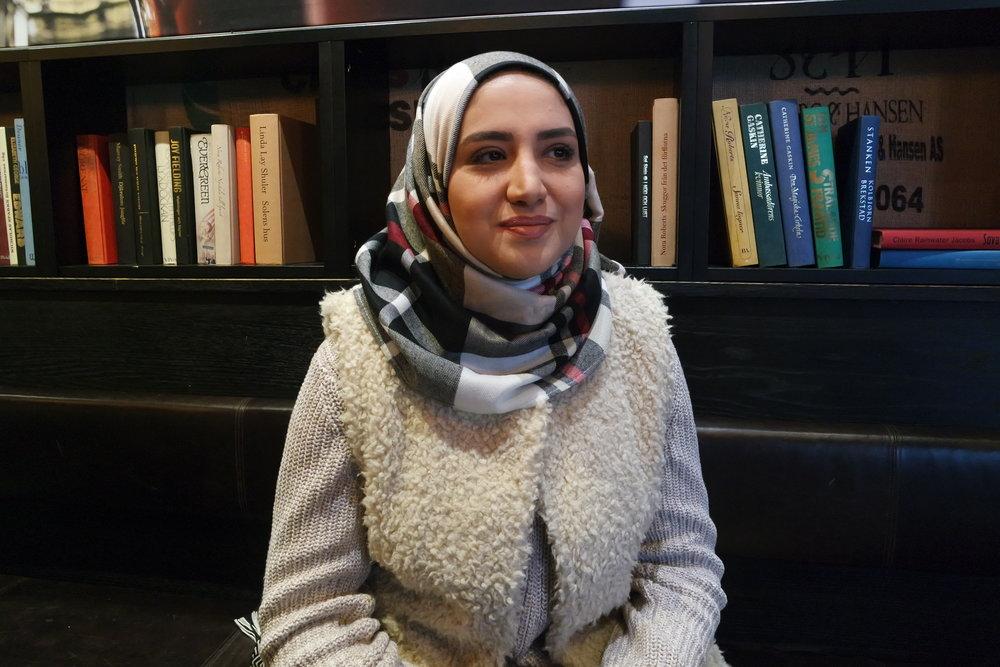 Hawra Kadhim er opprinnelig fra Irak og bodde i Finland i noen år før hun kom til Norge i 2005 . Nå har endelig sønnen fått hjelp. FOTO: Abloom