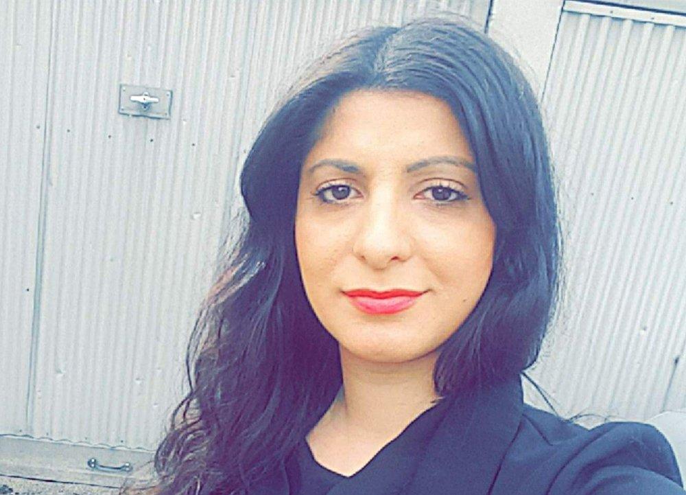 ENGASJERT: Rania Al-Nahi jobber for at flyktninger og asylsøkere skal få gode, meningsfulle og viktige erfaringer i Norge. Foto: privat