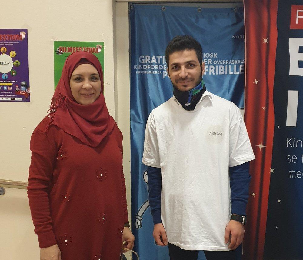 Najwa og frivillige Mahmoud (også fra Syria) står på for Abloom. Her under Fagkonferansen 2018. Foto: Bjørn Lecomte