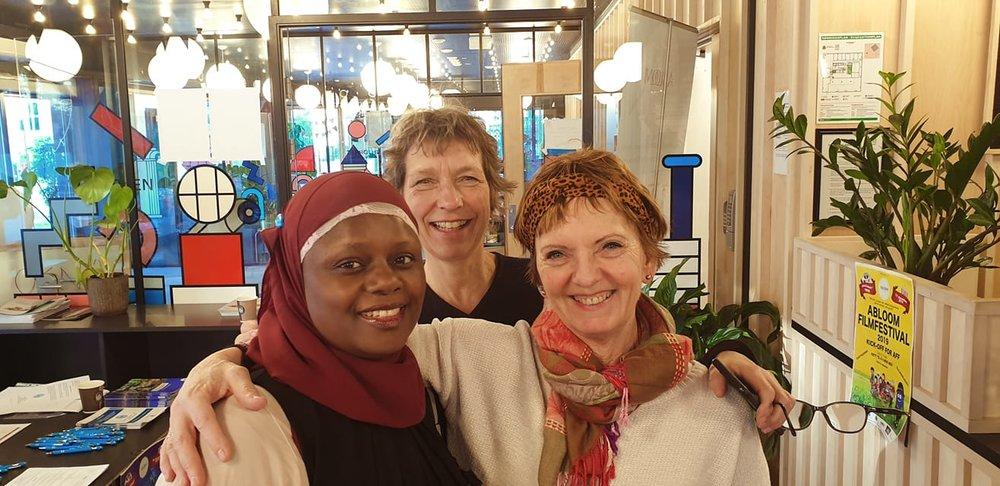Abloom-leder Faridah, forsker Berit Berg (NTNU) og sosialantropolog Hilde Berge ved LMS-barn og unge ved OUS.