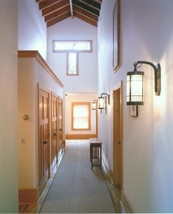 15-Alvernia-upstaircorridor.jpg