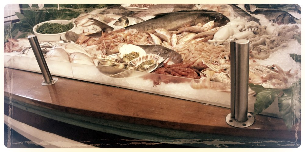Boat-CatchOfTheDay-Display-PescatoreMilano.JPG