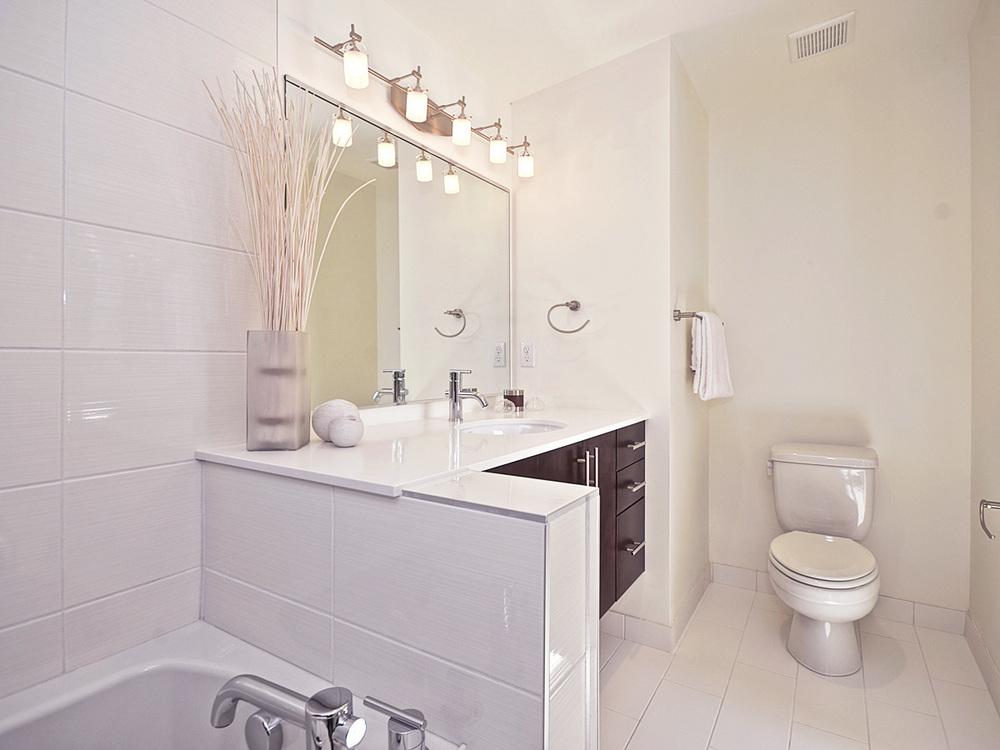 Mstr Bath 1.jpg