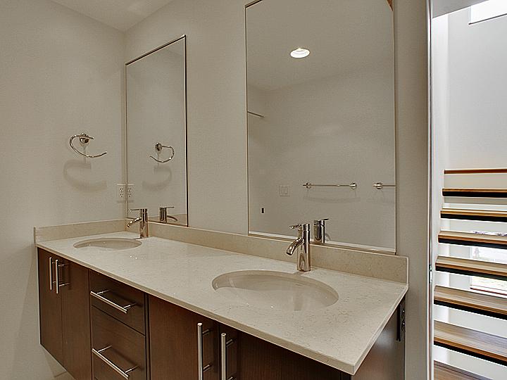 B04-Bath-01.jpg
