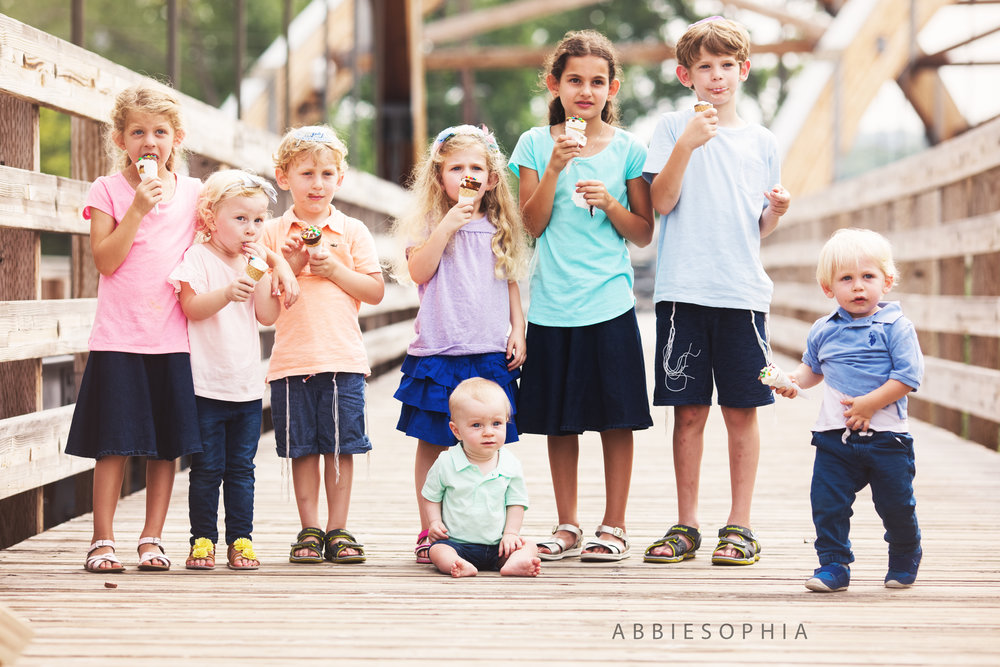 Gold Family Session   - All inclusive.This package is designed for those who know they want up to 2 hours of shooting, and who want all of the edited digital images upfront. This also includes a large 16x20 metal print. All digital images are included.$1350 - Family reunion package with extended family and all the files - can be used for simcha sessions too.