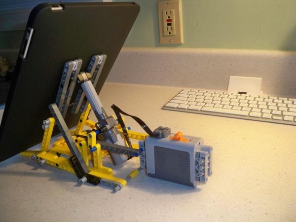 Motorized Lego iPad Stand (Video) — Gadgetmac