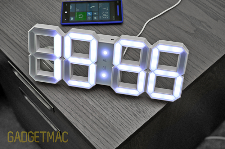 kibardin_design_white_and_white_led_clock_4.jpg