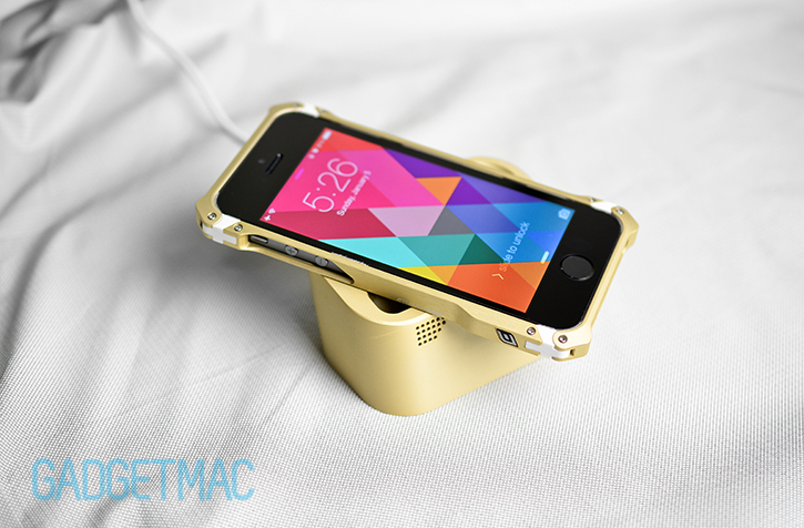 element_case_au_gold_collection_vapor_dock_lightning_dock_sector_5_iphone_5s_case.jpg