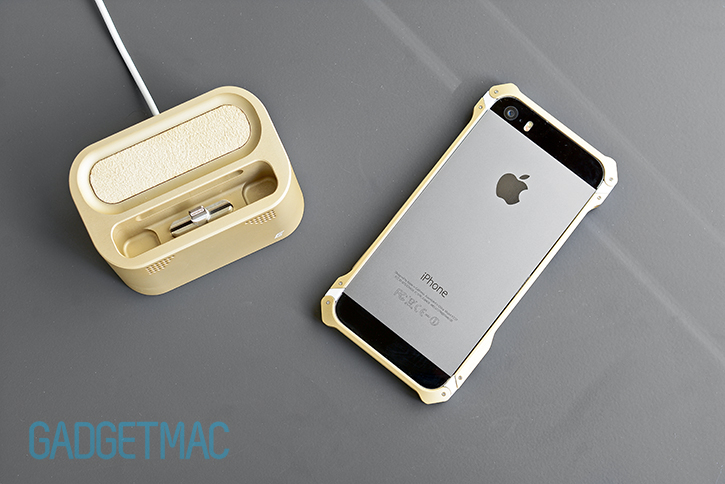 element_case_vapor_dock_au_gold_lightning_dock_for_iphone_5s_5_sector_5_au_case.jpg