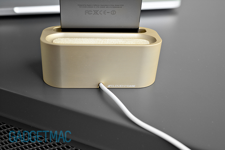 element_case_vapor_dock_au_gold_lightning_iphone_5s_charging_dock_rear.jpg