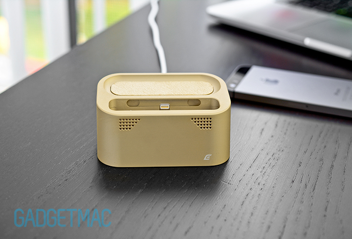 element_case_vapor_dock_au_gold_lightning_iphone_5s_charging_dock_6.jpg