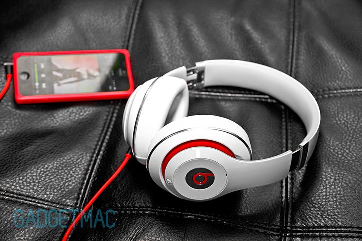 beats studio 2 2013 new redesigned headphones model white.jpg 8689419420e6