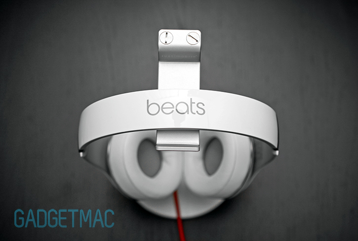 beats_studio_2013_white_top_headband.jpg