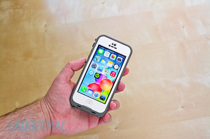 lifeproof_nuud_waterproof_iphone_5_case_grip.jpg