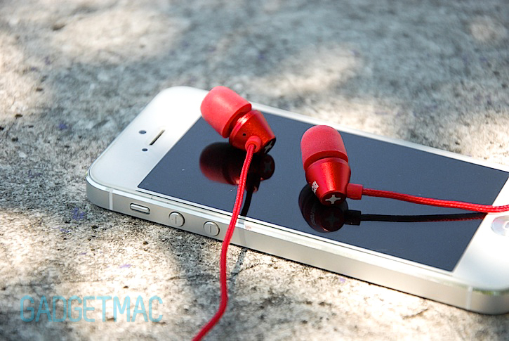 id_america_metropolitan_in_ear_headphones_red.jpg