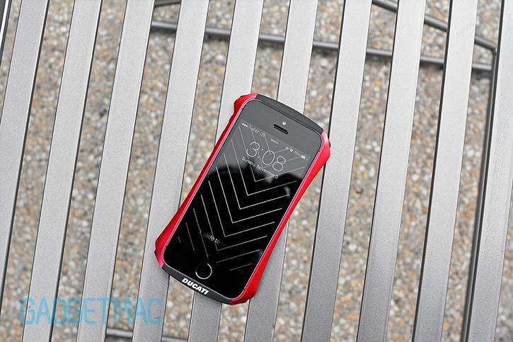 draco_design_ventare_a_ducati_aluminum_iphone_5s_bumper.jpg