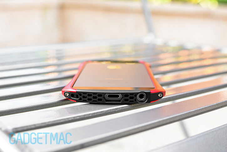 draco_design_ventare_a_iphone_5s_bumper_case_speaker_port_exhaust_grille.jpg