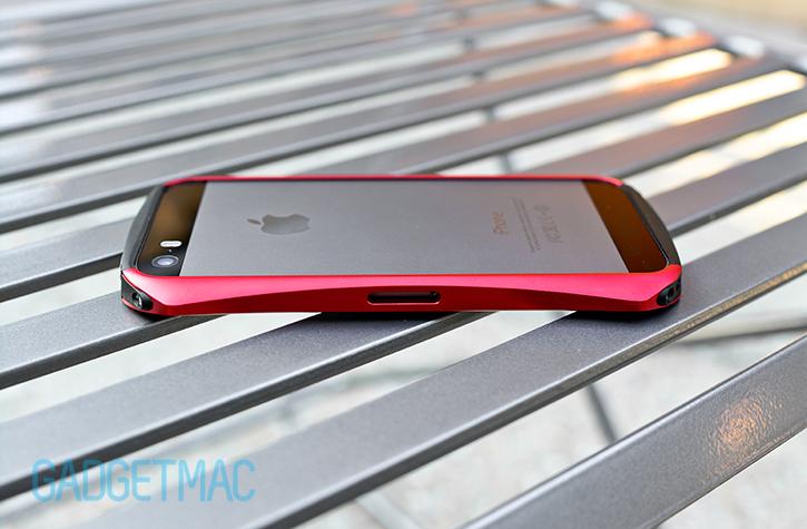 draco_design_ventare_a_aluminum_iphone_5s_bumper_case_sim_slot.jpg