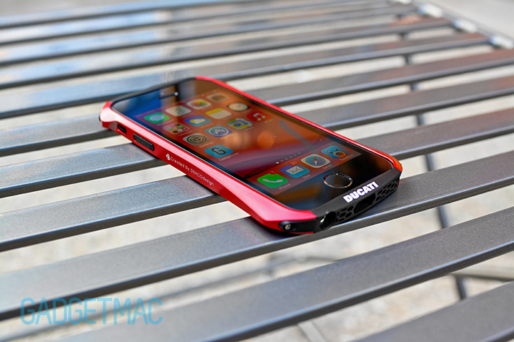 dracodesign_ventare_a_iphone_5s_metal_bumper_case_corner.jpg