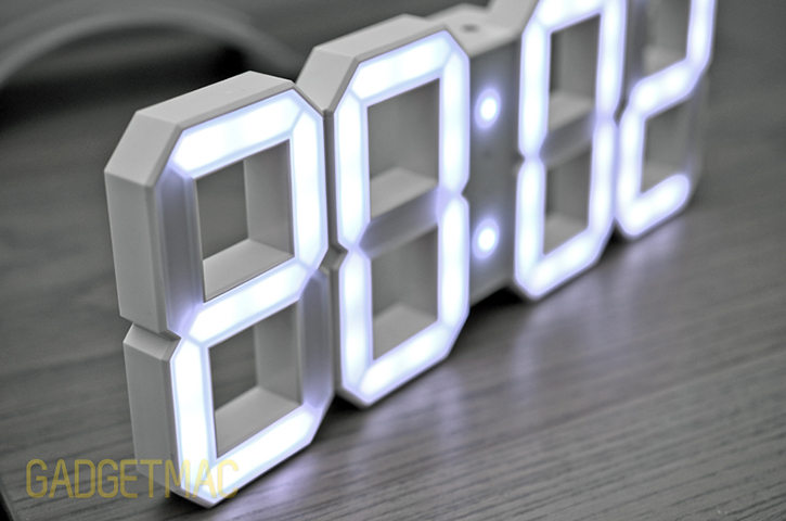 kibardin_white_and_white_led_clock_edge.jpg